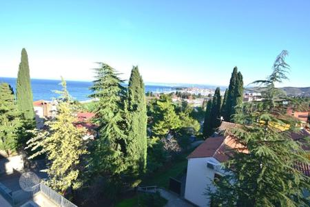 2 bedroom apartments for sale in Obalno-Cabinet. New home – Izola, Obalno-Cabinet, Slovenia
