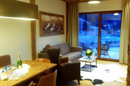 Off-plan property for sale in Austrian Alps. Hotel room – Landeck, Tyrol, Austria