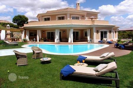 Luxury 5 bedroom houses for sale in Algarve. Modern Villa in Quinta-do-Lago