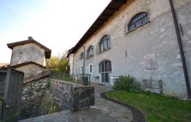 6 bedroom houses for sale in Piedmont. Spacious cottage with a terrace and a guest house, near the lake, San Maurizio d'Opaglio, Piedmont, Italy