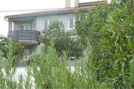 Houses for sale in Fažana. Fažana Surroundings Detached house with apartments, garden
