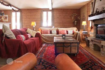 Cheap 5 bedroom apartments for sale in Auvergne-Rhône-Alpes. Apartment – Les Gets, Auvergne-Rhône-Alpes, France