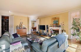 Paris 9th District – A sunny 5-bed family apartment for 2,550,000 €