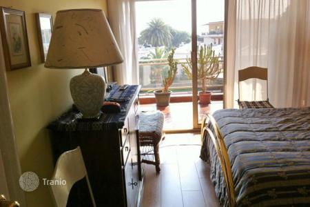 Cheap apartments for sale in Sanremo. Apartment – Sanremo, Liguria, Italy