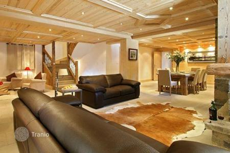 Villas and houses to rent in Saint-Bon-Tarentaise. Chalet - Saint-Bon-Tarentaise, Auvergne-Rhône-Alpes, France
