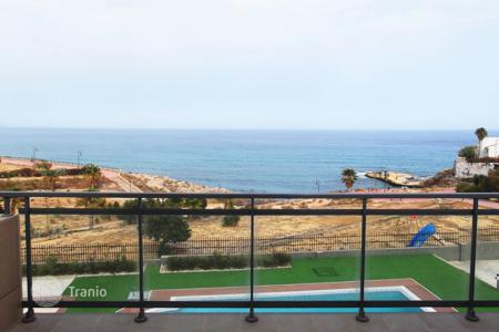Coastal townhouses for sale in El Campello. Terraced house – El Campello, Valencia, Spain