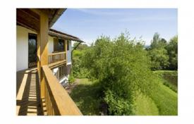 Luxury residential for sale in Bavaria. Three-storey villa with garden and garage near the park and Lake Starnberg, in the town Feldafing