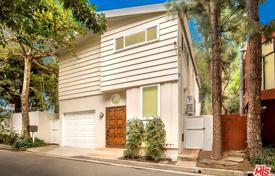 2 bedroom houses for sale in North America. Villa – Beverly Hills, California, USA