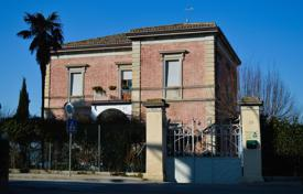 Residential for sale in Marche. Liberty style villa near Macerata