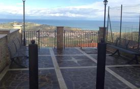 Apartments for sale in Abruzzo. Apartment – Abruzzo, Italy