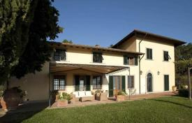 Luxury houses for sale in Prato. Villa – Prato, Tuscany, Italy
