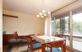 3 bedroom apartments for sale in Castelldefels. Duplex with a terrace and a swimming pool, Castelldefels, Catalonia, Spain