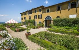 Villas and houses to rent in Florence. Villa di Tizzano