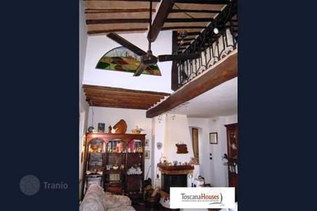 3 bedroom apartments for sale in Siena. Apartment – Siena, Tuscany, Italy