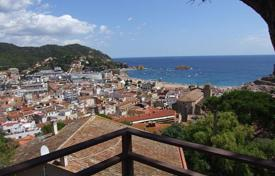 4 bedroom apartments by the sea for sale in Costa Brava. Apartment – Tossa de Mar, Catalonia, Spain