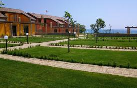 Property for sale in Italy. Townhouses with 2 bedrooms, garden and private access to the sea, in a new residential complex, just steps from the beach in Crotone, Italy