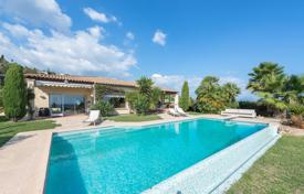 Luxury 3 bedroom houses for sale in Vallauris. Outside Cannes — Panoramic sea view