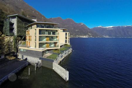 2 bedroom apartments by the sea for sale in Italian Lakes. Apartment – Lake Como, Lombardy, Italy