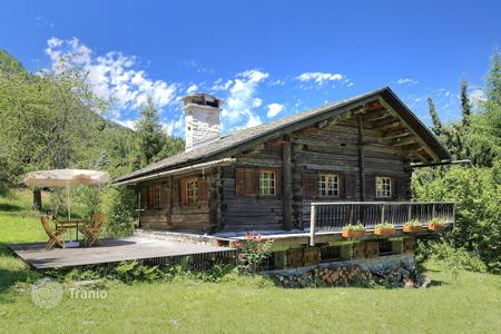 Residential for sale in Chamonix. Villa – Chamonix, Auvergne-Rhône-Alpes, France