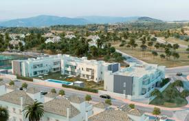 Property for sale in Andalusia. Apartment in a new residence, in a prestigious area, near golf courses and Puerto Banus marina, Los Naranjos, Costa del Sol