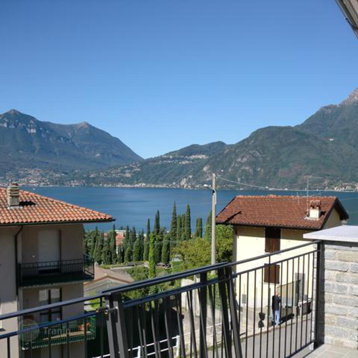 Listing 855504 in lake como lombardy italy terraced for Lake house in italian