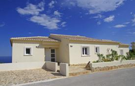 5 bedroom houses for sale in Cumbre. Mediterranean style villa in Cumbre del Sol