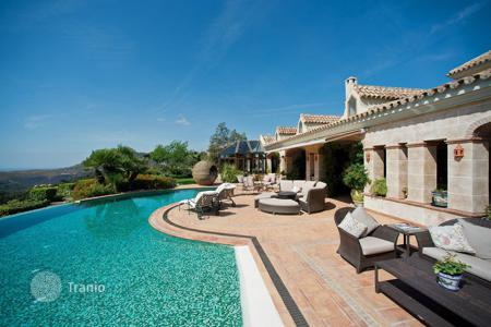 Luxury 5 bedroom houses for sale in El Madroñal. Stylish, elegant villa with gardens, fountains, pool and views of the sea, the mountains, the golf course, La Zagaleta, El Madroñal, Malaga