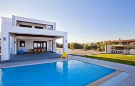 3 bedroom villas and houses by the sea to rent in Aegean. Villa – Lindos, Aegean, Greece