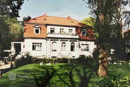 Luxury houses for sale in Berlin. Villa at the Mexikoplatz