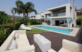 Luxury houses with pools for sale in Vilassar de Dalt. Detached house in Vilassar de Dalt