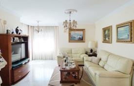 Residential for sale in Fuengirola. Cozy town house with a terrace, a swimming pool and a garage, in a prestigious area, Fuengirola, Spain