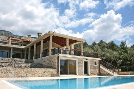 Coastal houses for sale in Becici. Villa – Becici, Budva, Montenegro