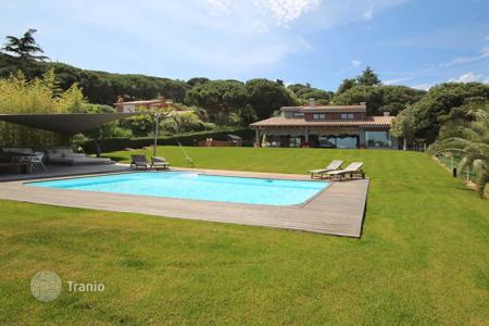 6 bedroom houses for sale in Cabrera de Mar. Fully furnished and equipped house in Cabrera de Mar