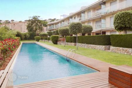 3 bedroom apartments for sale in Costa Brava. Apartment – Sant Feliu de Guixols, Catalonia, Spain