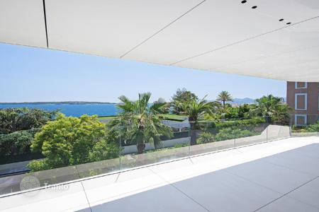 New homes for sale in Côte d'Azur (French Riviera). Cannes — Californie — New luxury residence
