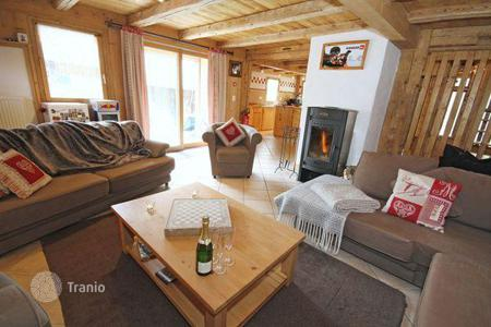 Villas and houses to rent in Morzine. Classic chalet in the ski resort of Morzine, France