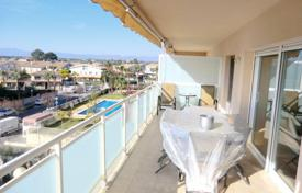 Apartments with pools by the sea for sale in Costa Dorada. Apartment – Salou, Catalonia, Spain