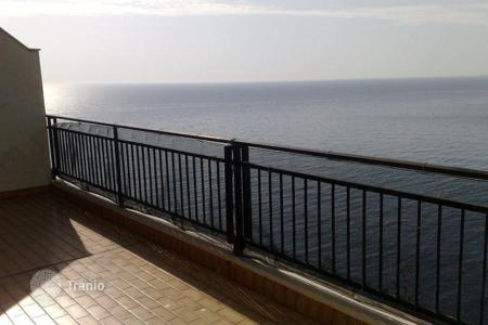 Apartments with pools by the sea for sale in Bordighera. Ospedaletti apartment for sale