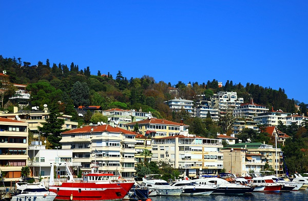 In Beşiktaş, the residential property facing the Bosphorus is highly valued
